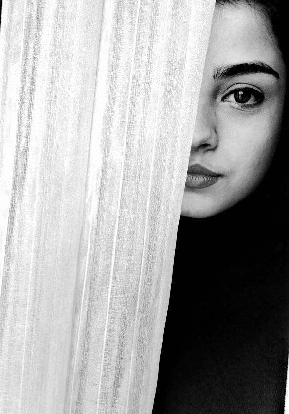 #sometimes we #need #hide #oueself   #black&white   #blackandwhite   #portrait #selfieshadow   #fteportrait   #photography