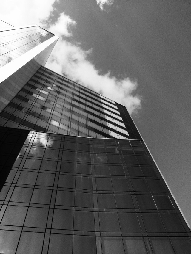 #blackandwhitephotography #blackandwhite #clouds #art #skyscraper